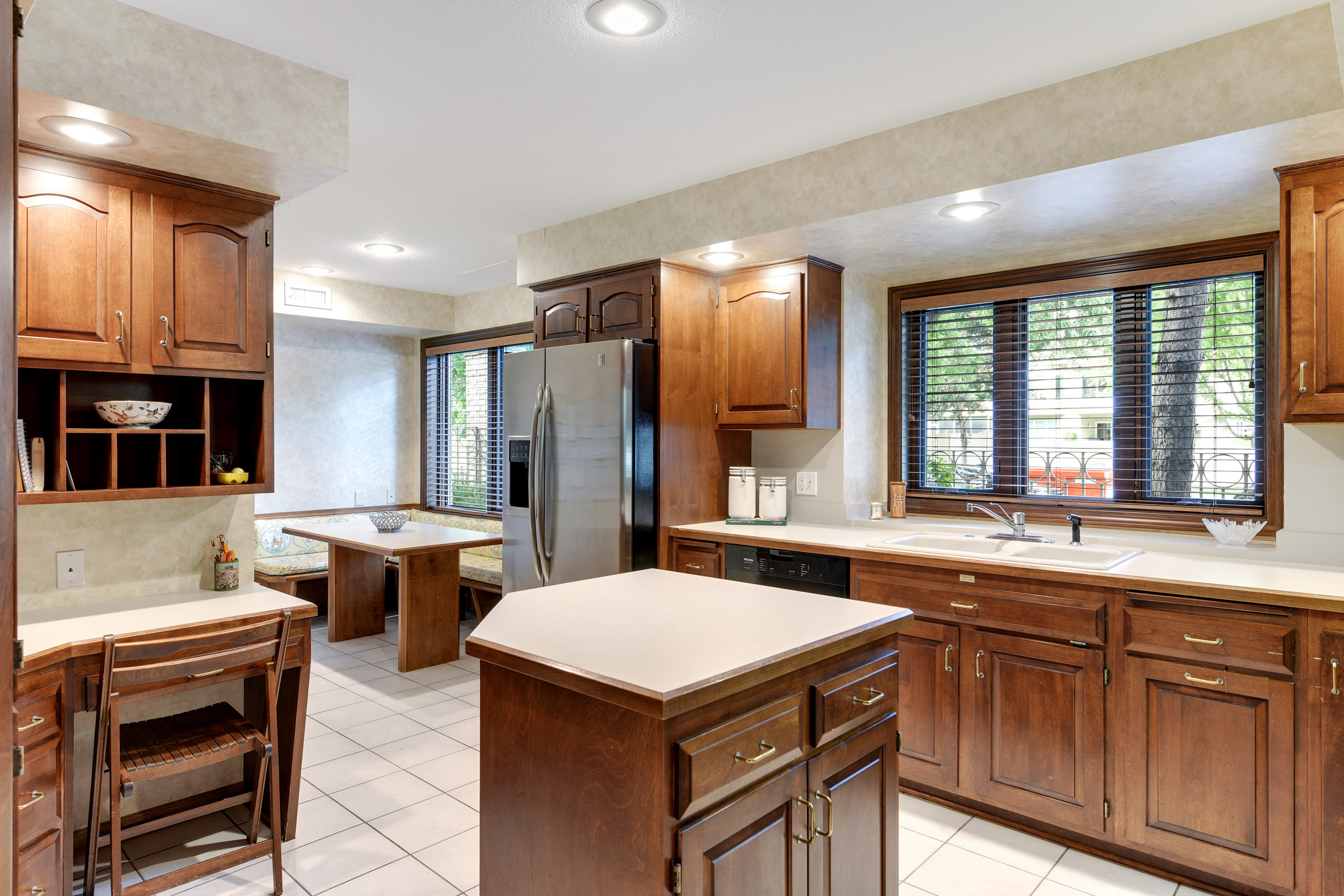 The center island kitchen features a cherrywood crystal kitchen (easy to enamel if desired) with 3 windows over the sink